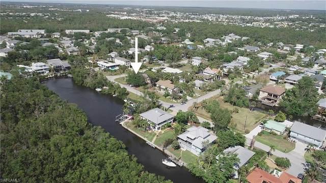 1300 Venetian Way, Naples, FL 34110 (MLS #221029299) :: Clausen Properties, Inc.