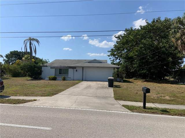 4232 Country Club Blvd, Cape Coral, FL 33904 (#221029397) :: Caine Luxury Team