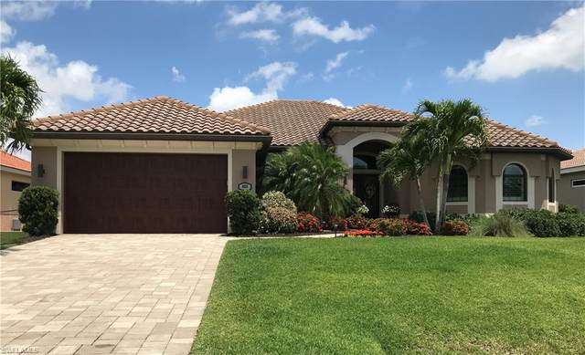 405 SW 33rd Ave, Cape Coral, FL 33991 (#221029546) :: Caine Luxury Team
