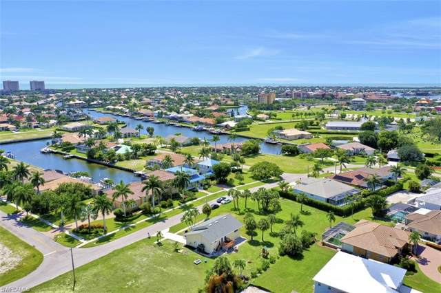 469 Hartley St, Marco Island, FL 34145 (MLS #221029651) :: Tom Sells More SWFL | MVP Realty