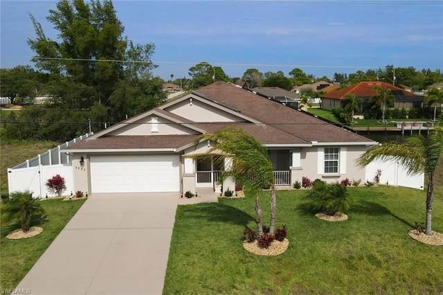 1333 SW 17th Pl, Cape Coral, FL 33991 (#221029960) :: Caine Luxury Team