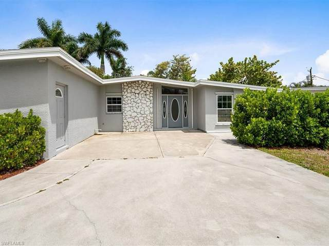 1971 Holiday Ln, Naples, FL 34104 (MLS #221029993) :: Wentworth Realty Group