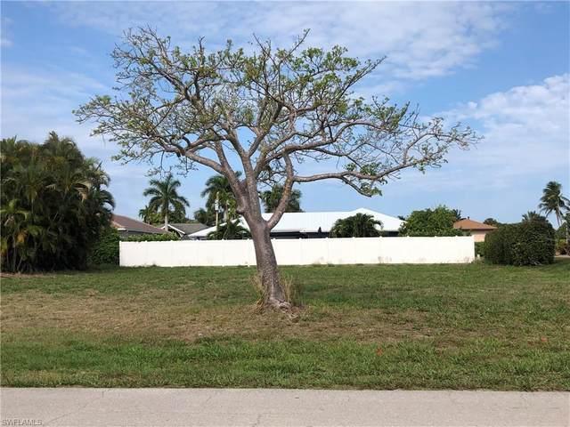372 Sand Hill St, Marco Island, FL 34145 (#221030071) :: Caine Luxury Team