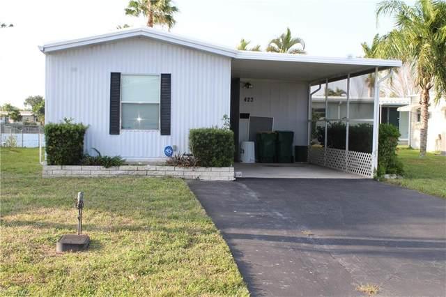 423 Cape Florida Way, Naples, FL 34104 (MLS #221030435) :: Premiere Plus Realty Co.
