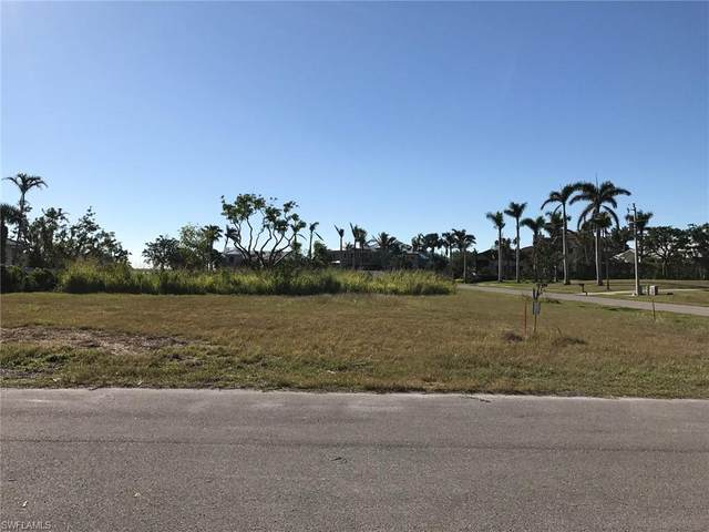 1021 W Inlet Dr, Marco Island, FL 34145 (MLS #221031139) :: Coastal Luxe Group Brokered by EXP