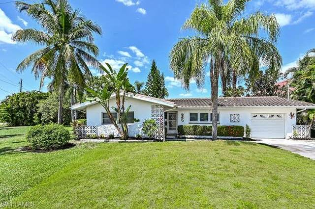 1300 Thompson St, North Fort Myers, FL 33903 (MLS #221032501) :: BonitaFLProperties