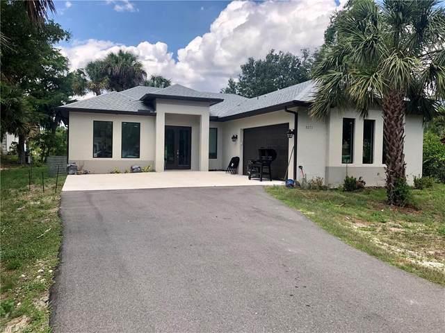 3271 20th Ave NE, Naples, FL 34120 (MLS #221034283) :: Premier Home Experts