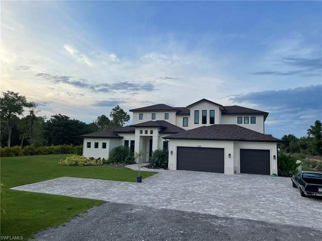 3211 11th Ave SW, Naples, FL 34117 (MLS #221034491) :: The Naples Beach And Homes Team/MVP Realty