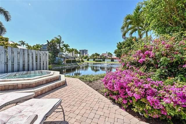 655 Bridgeway Ln, Naples, FL 34108 (#221034839) :: Southwest Florida R.E. Group Inc
