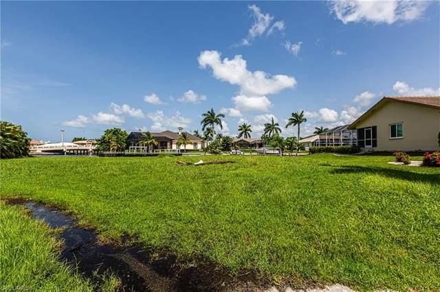 903 Juniper Ct, Marco Island, FL 34145 (MLS #221034846) :: Domain Realty