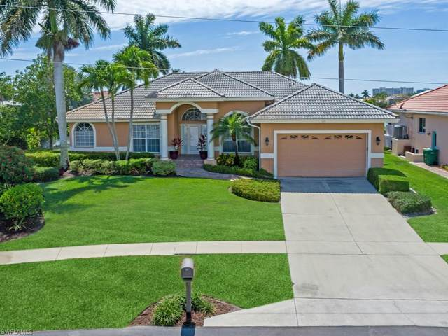 100 Bonita Ct, Marco Island, FL 34145 (#221035635) :: The Dellatorè Real Estate Group