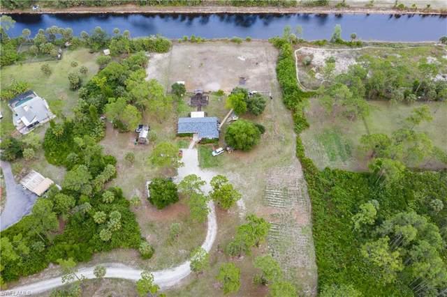 2210 20th Ave NE, Naples, FL 34120 (#221035811) :: The Dellatorè Real Estate Group
