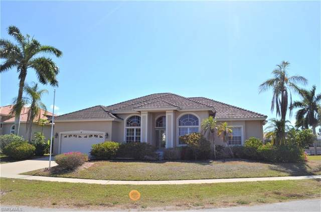 41 Primrose Ct, Marco Island, FL 34145 (#221035945) :: The Dellatorè Real Estate Group