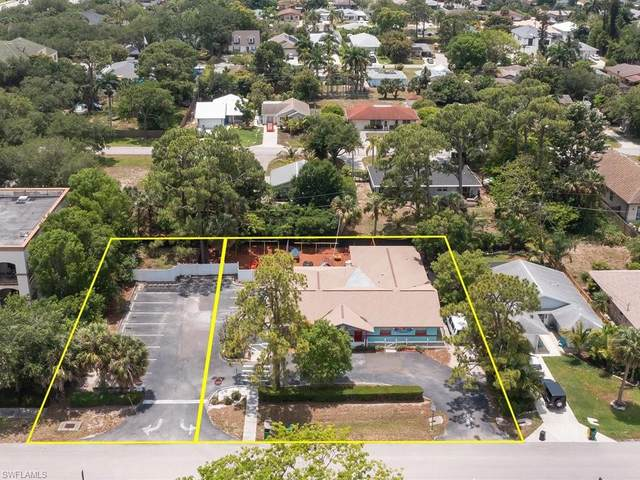 860 102ND Ave N, Naples, FL 34108 (MLS #221035967) :: Bowers Group | Compass