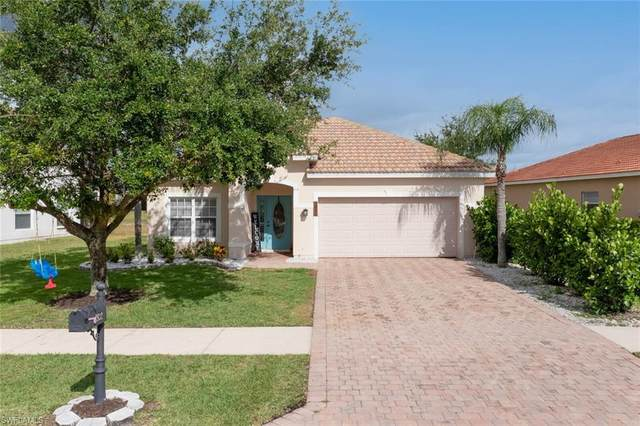 2832 Inlet Cove Ln W, Naples, FL 34120 (MLS #221036051) :: Wentworth Realty Group