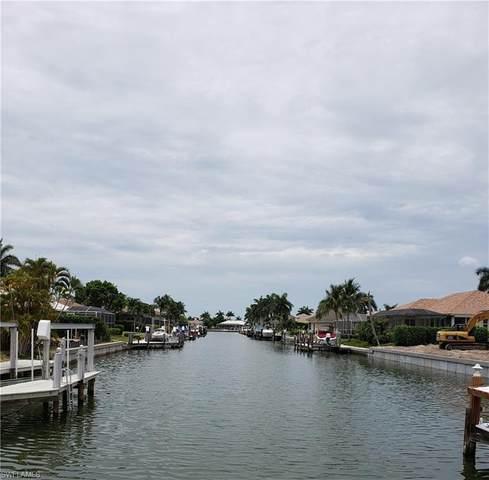 930 Goldenrod Ave, Marco Island, FL 34145 (#221036152) :: The Dellatorè Real Estate Group