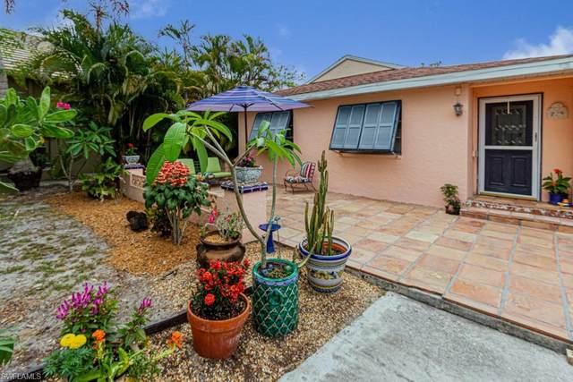 729 93rd Ave N, Naples, FL 34108 (MLS #221036512) :: BonitaFLProperties