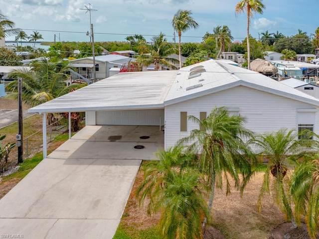 544 Coconut Ave, Goodland, FL 34140 (MLS #221038046) :: Florida Homestar Team