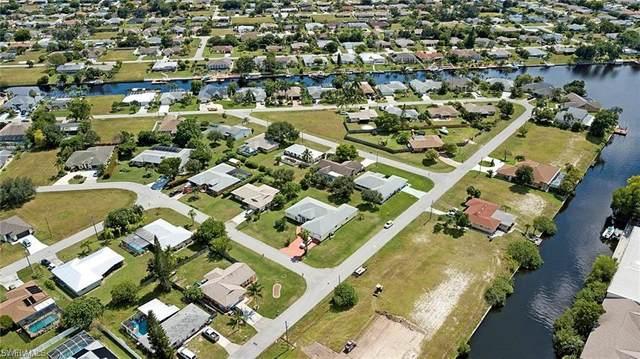 1208 SE 13th Ave, Cape Coral, FL 33990 (MLS #221040552) :: Avantgarde