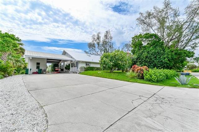 2958 Cypress St, Naples, FL 34112 (#221042730) :: Equity Realty
