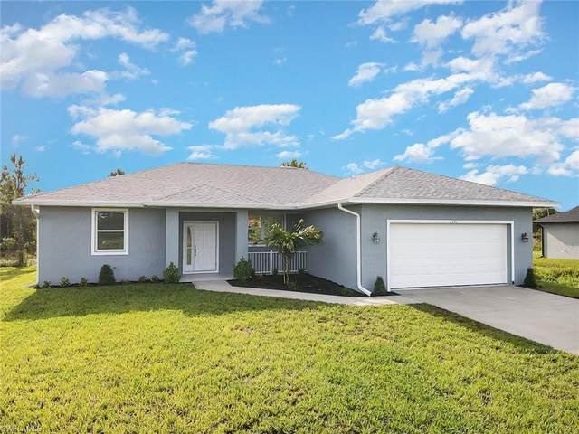 6446 40th St NE, Naples, FL 34120 (MLS #221043479) :: #1 Real Estate Services