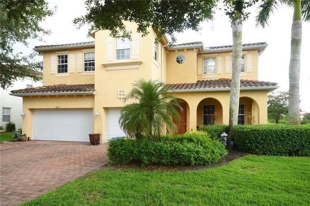 2055 Par Dr, Naples, FL 34120 (#221043607) :: The Dellatorè Real Estate Group