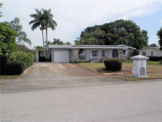 3017 Lafayette St, Fort Myers, FL 33916 (MLS #221043914) :: BonitaFLProperties