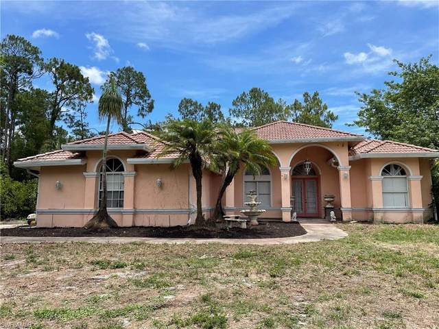3150 Safe Harbor Dr, Naples, FL 34117 (#221043968) :: The Dellatorè Real Estate Group