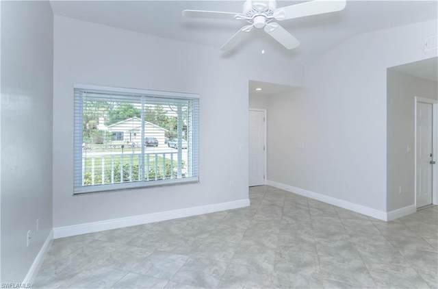 866 101st Ave N, Naples, FL 34108 (#221044007) :: Caine Luxury Team