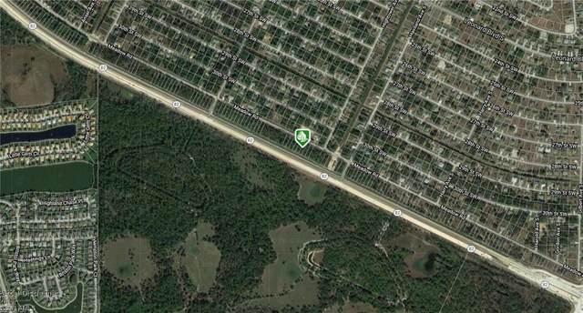 854 Meadow Rd, Lehigh Acres, FL 33973 (#221049307) :: Caine Luxury Team