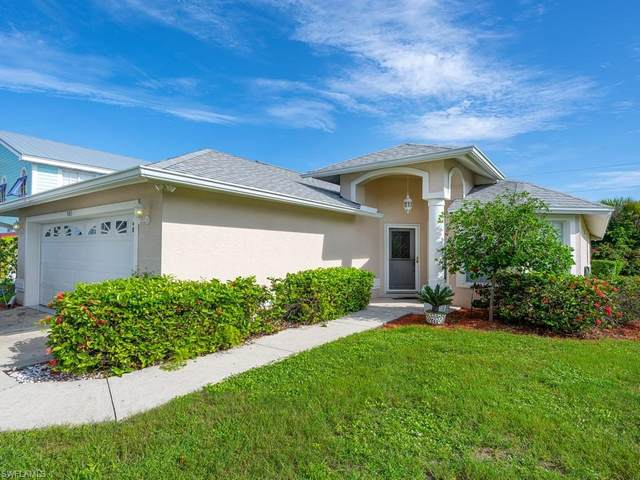 583 99th Ave N, Naples, FL 34108 (#221049729) :: Equity Realty