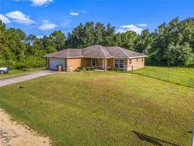 1024 Iris St, Lehigh Acres, FL 33974 (MLS #221051658) :: Domain Realty