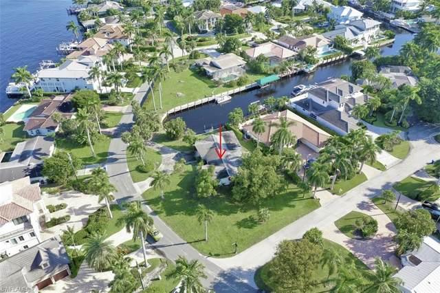 2001 Kingfish Rd, Naples, FL 34102 (#221052475) :: REMAX Affinity Plus