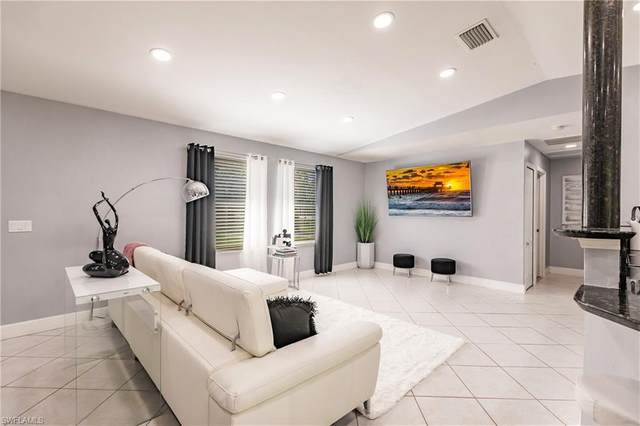 4641 Pine Ridge Rd, Naples, FL 34119 (#221053555) :: Caine Luxury Team