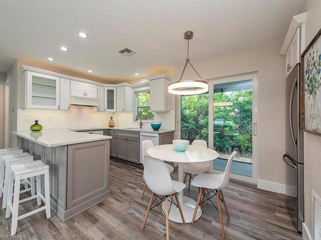 705 91st Ave N, Naples, FL 34108 (#221053679) :: Equity Realty