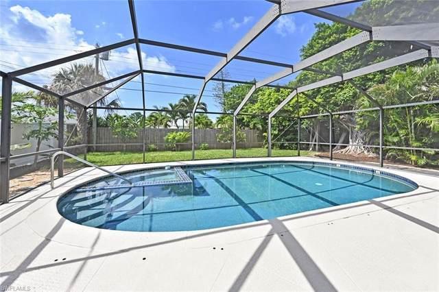 758 103rd Ave N, Naples, FL 34108 (MLS #221053816) :: Avantgarde