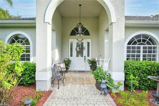 1040 12th Ave NE, Naples, FL 34120 (#221053856) :: Southwest Florida R.E. Group Inc