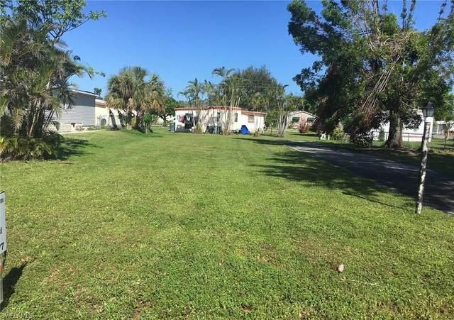171 Pine Key Ln, Naples, FL 34114 (MLS #221054213) :: The Naples Beach And Homes Team/MVP Realty