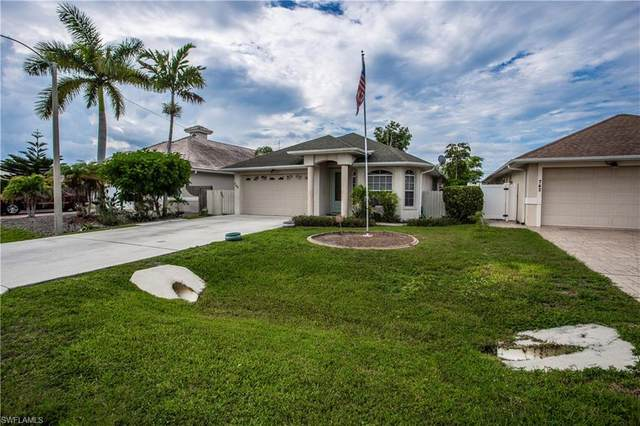 746 101st Ave N, Naples, FL 34108 (#221054389) :: Equity Realty