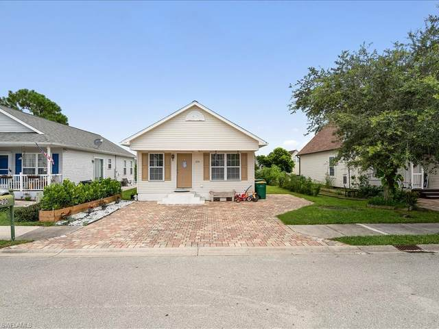 270 Leawood Cir, Naples, FL 34104 (MLS #221054610) :: Waterfront Realty Group, INC.