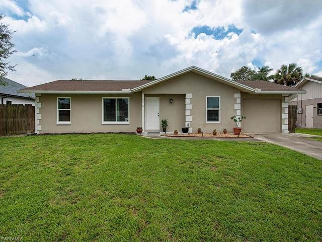 1730 46th Ter SW, Naples, FL 34116 (#221054957) :: The Dellatorè Real Estate Group