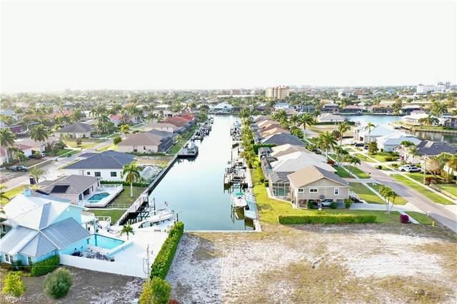 970 Goldenrod Ave, Marco Island, FL 34145 (#221055049) :: The Michelle Thomas Team