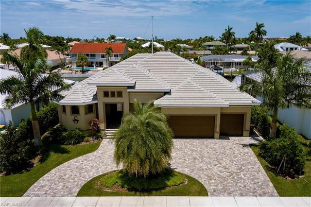 842 Elm Ct, Marco Island, FL 34145 (MLS #221057509) :: Clausen Properties, Inc.