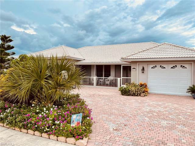 813 N Barfield Dr, Marco Island, FL 34145 (MLS #221058075) :: Realty One Group Connections
