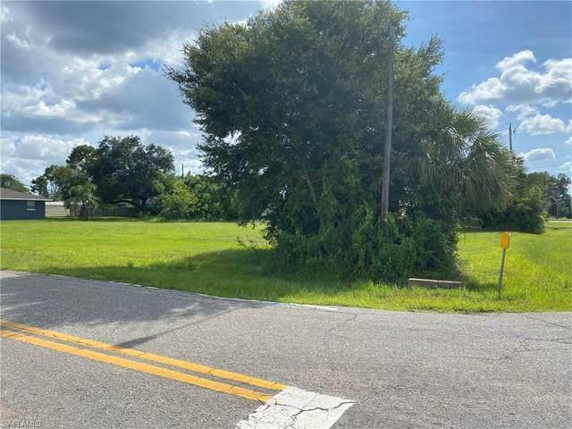 2003 River Ridge Blvd, Fort Myers, FL 33905 (#221063018) :: Jason Schiering, PA
