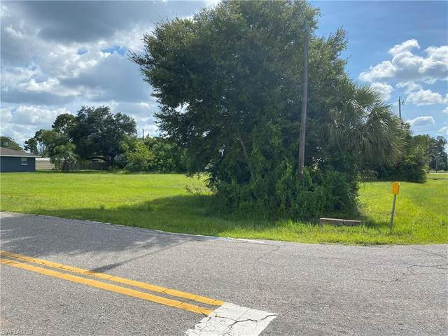 2007 River Ridge Blvd, Fort Myers, FL 33905 (#221063069) :: Jason Schiering, PA