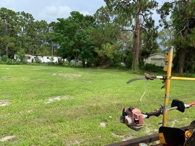 8385 Marx Dr, North Fort Myers, FL 33917 (MLS #221063218) :: Avantgarde