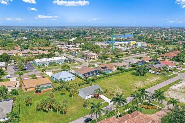 469 Hartley St, Marco Island, FL 34145 (MLS #221064027) :: Clausen Properties, Inc.