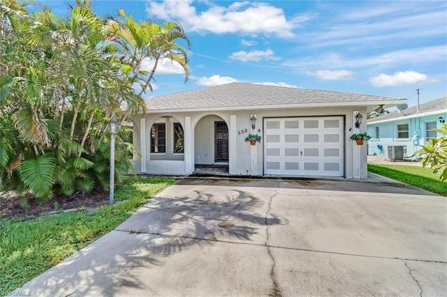 550 106th Ave N, Naples, FL 34108 (#221065208) :: Earls / Lappin Team at John R. Wood Properties
