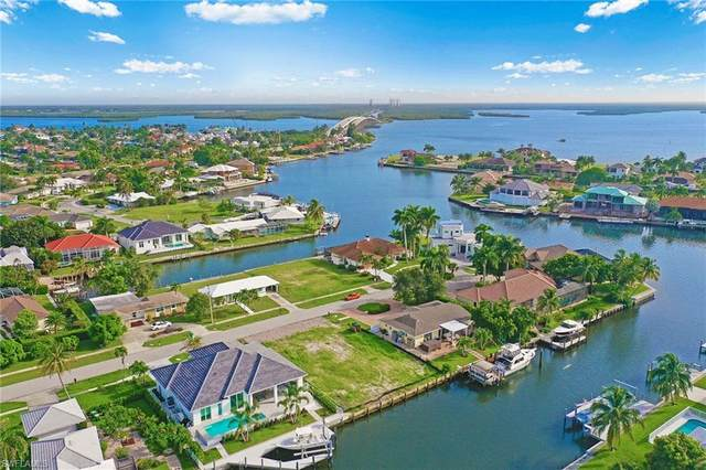647 Bamboo Ct, Marco Island, FL 34145 (MLS #221066619) :: Realty One Group Connections
